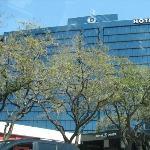 Hotel Derek Houston Galleria Photo