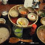 まるで京料理です。ちょっとずつですが、結構ボリューミーです。