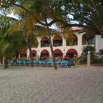 Charela Inn - Beachfront Charm