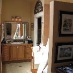 Nice bathroom with Jacuzzi
