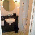 Mercure Sydney Bathroom