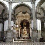 サンタ・マリア・デッラ・サルーテ教会の内部