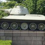 Tank! Russisk T-34, skulle jeg mene. Dot var ikke imponeret.. tsk tsk, kvinder.