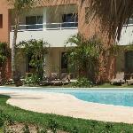 Swim-up Room, patio and grass