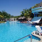 Iberostar pool with swim up bar