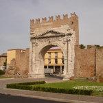 Арка Августа (Римини)
