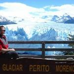 Devant le glacier Perito Moreno en Patagonie, Argentine