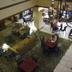 Pleasant spacious lobby