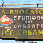 Brocato's, The Sign