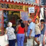 """""""El Yerbero de Hamel"""" Callejon de Hamel, La Habana Cuba"""