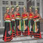 Dancers, Plankaraya, Kalimantan