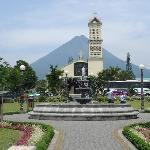Parque, frente a la iglesia de Fortuna, nuestra comunidad