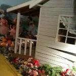 Foto de Dorothy's House/Land of Oz
