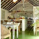 Restaurant: Simple and Refreshing