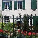 1 rue du Sol, geraniums