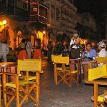 """Karibik: Cartagena (Nachtleben), der Platz vor der Bar """"Fidel"""""""