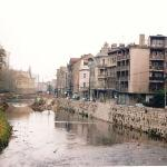 Sarajevo, the river that cuts the city into two parts was the border between the Serbs (the bank