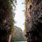 Sailing into the Koh Hong lagoon