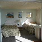 Bedroom 2 dbls
