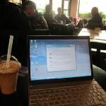 カフェでネットをしながらマッタリしていました