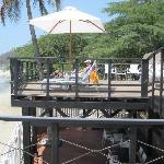 Terraza privada que da a la playa