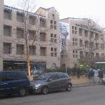 La facciata su Via Milazzo