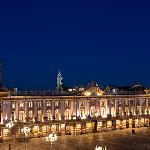 OVERLOOKING CAPITOLE PLACE