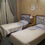 twin bedroom Room 101