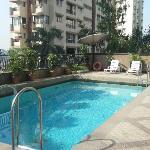 Rooftop Pool Fariyas Hotel