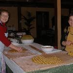 Maria and Antonia preparing cappelletti.