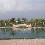 The HUGE swimmingpool