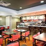 Courtyard by Marriott Chesapeake Greenbrier