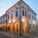 阿爾多莫羅酒店