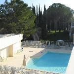 Vue générale et vue partielle de la piscine