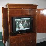 nice tv; no dvd player, but we had one for kid