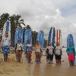 voila....surfers!