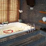 bath tub with a romantic welcome