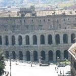 Mais uma vez o Teatro Marcello, do alto do mirante acima do Monumento a Vitório Emanuel II.