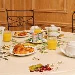 salle petit déjeuner - Hôtel NIEL