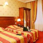 chambre 2 lits - Hôtel NIEL