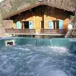 Chalet les Frenes and hot tub