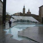 Fuente Iberoamericana en la Plaza de El Pilar.