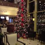 l'albero di natale nel foyer
