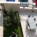entrada al hotel desde la terraza