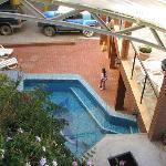 pequeña piscina para descansar antes o después de ir al sauna que esta ahí mismo