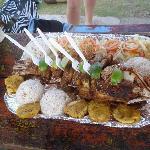Plato tipico . Pescado con patacones y arroz de coco.