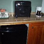MIcro/fridge/coffee maker