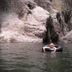 vous pouvez traverser le canyon avecune boué qui est assez rafraichissant mais aussi