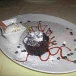 Steak House, chocolate cake