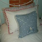 uper comfy beds at blue room